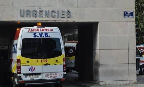 Cinco heridos al chocar dos coches de madrugada en Villena