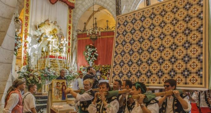 La casa Modernista de la comparsa de Labradores abre sus puertas en la Feria de Navidad
