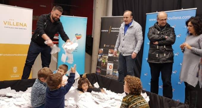 Antonia Iñiguez, Juan José López y Andrea Espinosa ganan el sorteo de la campaña de Navidad de la asociación de comerciantes