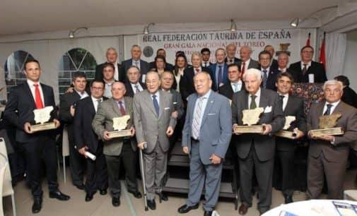 La Peña Cultural Taurina recibe la medalla de bronce del mérito taurino