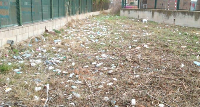 El PSOE presenta una propuesta para que se limpie el entorno de la zona del Grec y Carmelitas