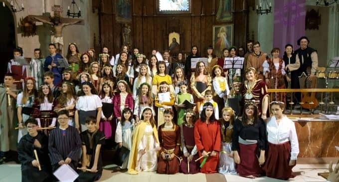 El colegio Nuestra Señora de los Dolores (Paulas) vuelve a participar en las Fiestas del Medievo
