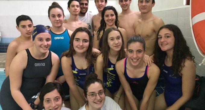 Irene Díaz y Laura Esteban consiguen mínima para el campeonato Autonómico de natación
