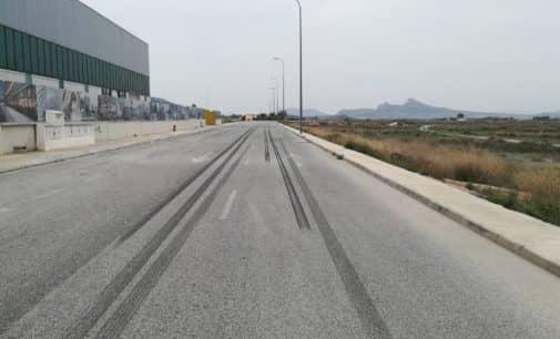 El PSOE alerta de carreras de vehículos en el poligono Bulilla