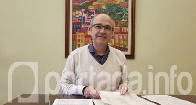 El alcalde informa que la sentencia no afecta al Ayuntamiento porque anula un contrato que ya no existe