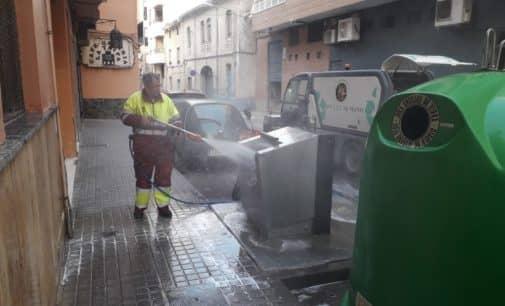 El servicio de limpieza viaria retoma los baldeos de calles este fin de semana
