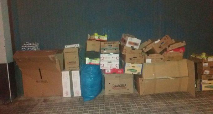 El PSOE denuncia que el cartón va directamente al vertedero sin reciclar