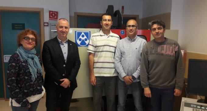 Röchling dona un centro mecanizado al IES Navarro Santafé