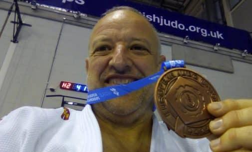 Francisco Beltrán consigue el bronce con el equipo español de judo