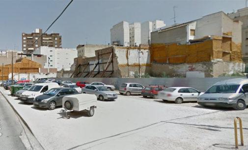 El Ayuntamiento ubicará unos bolardos en el solar de la calle San Cristóbal