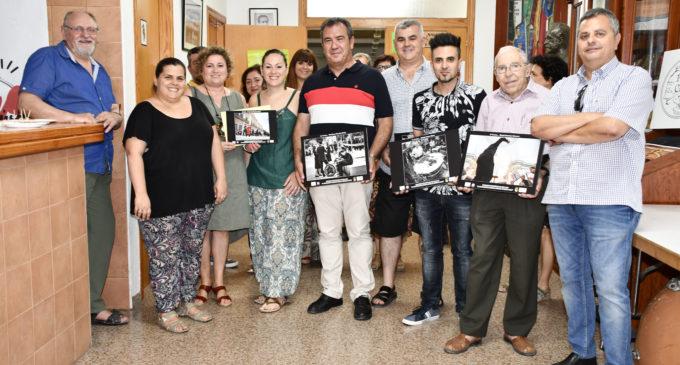 Villena Cuéntame y la Sociedad Musical hacen entrega de los premios del concurso fotográfico 25 aniversario