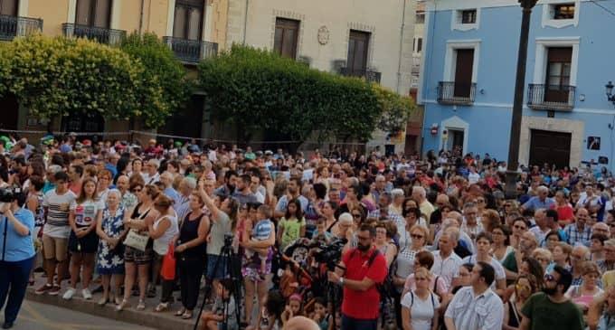 Tres mil vecinos se concentran por una mayor seguridad de los ciclistas en la carretera y en homenaje a Toni Díaz