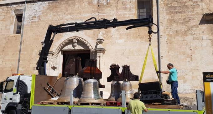 Las campanas de Santiago ya están en la iglesia