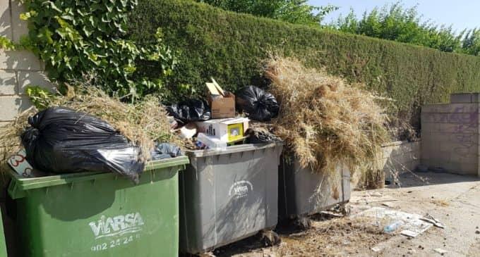 Denuncian el uso improcedente de los contenedores de basura