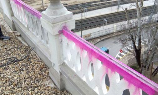 Finalizan los trabajos de reparación de la balaustrada del Teatro Chapí