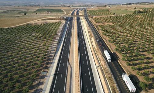 Fomento abre el tramo de la Font de la Figuera de la nueva autovía A-33