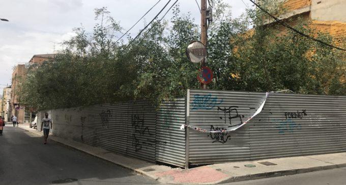 Falta de actuación de los Verdes sobre el solar de las calles San Cristóbal-Parrales pese a las reiteradas peticiones