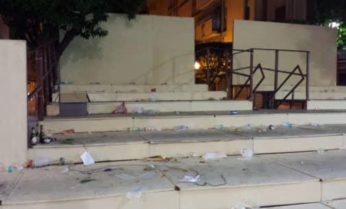 El Ayuntamiento dejará de prestar servicio en Fiestas a las comparsas que no cumplan el horario de recogida de basura