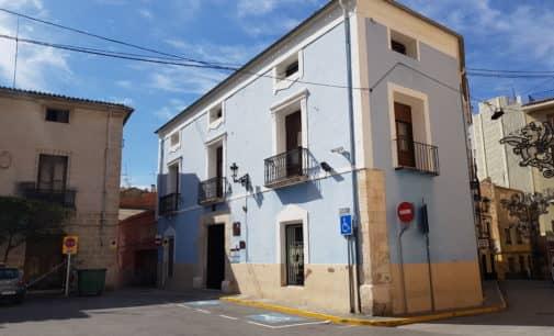 Trasladarán las dependencias municipales al Centro de Educación en la plaza de Santiago