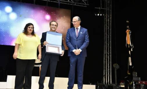José Sánchez Ferrándiz  gana el premio Faustino Alonso Gotor de la comparsa de Estudiantes