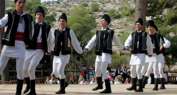 La lluvia no enfrió el Festival de Folklore