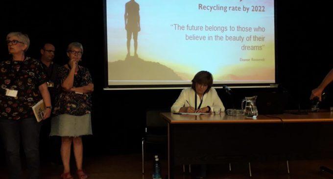 Villena se adhiere a la asociación valenciana de recogida de basura puerta a puerta