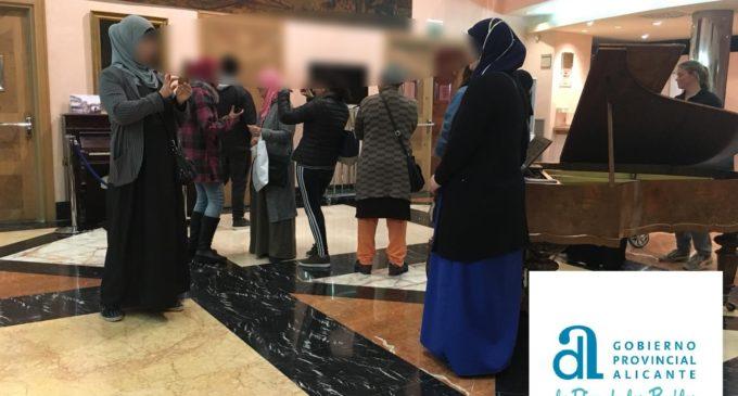 Diputación de Alicante subvenciona cursos de Castellano para personas extranjeras