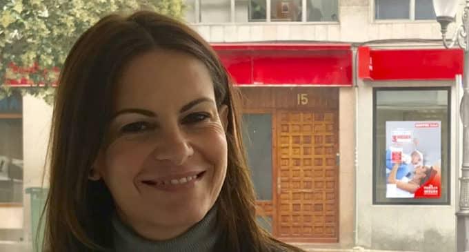 La diputada del PP, Beatriz Gascó, visita Villena para interesarse por la situación de los colegios
