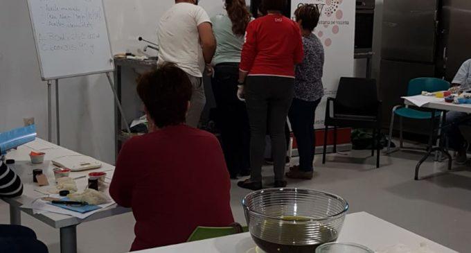 Colache acoge un taller de cosmética natural organizado por la Sede Universitaria