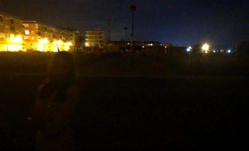 Oscuridad, ruido y falta de soluciones a los vecinos del Grec