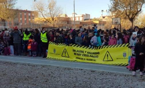 El colegio Príncipe don Juan Manuel inicia una campaña de sentadas para pedir la reforma del centro