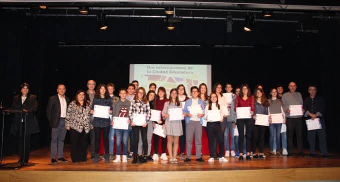 Profesores veteranos y alumnos sobresalientes unidos en el Día de la Ciudad Educadora