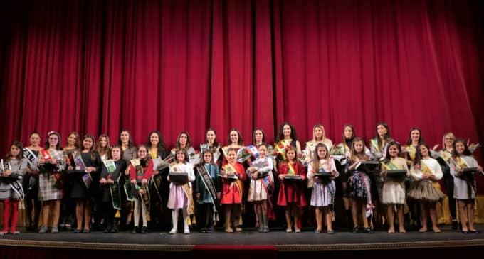 El acto de entrega de las peinetas se celebra en el Teatro Chapí