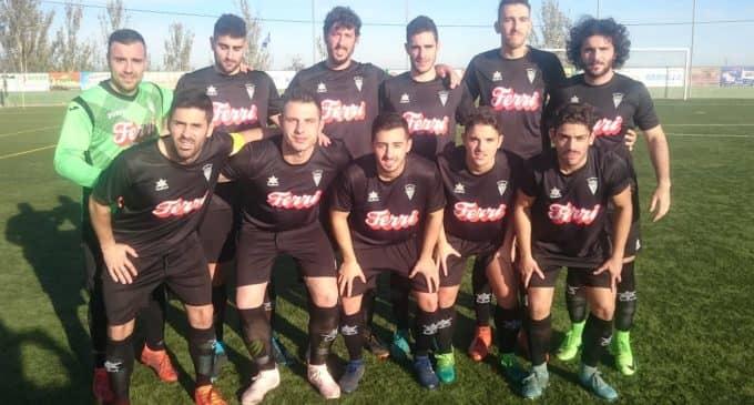 Otra derrota mantiene al Villena CF en la última posición