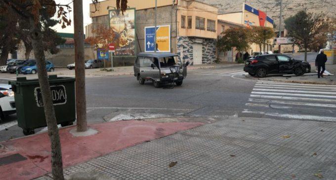 Dos accidentes de tráfico en la avenida de Alicante en el mismo día