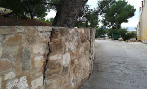 El PSOE pide la adecuación de los alcorques del Castillo