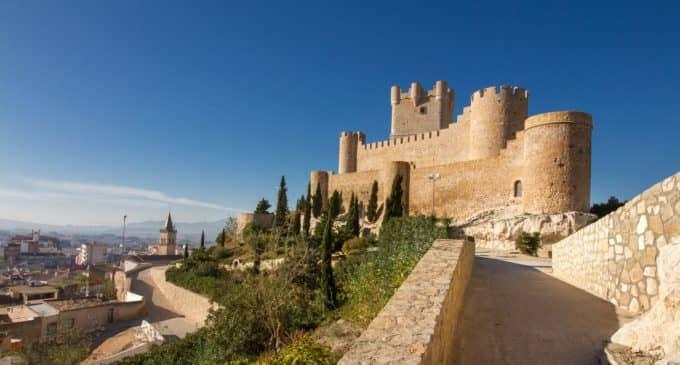 La Junta de gobierno aprueba los expedientes de contratación para las obras de subida al Castillo, Musealización de la electroharinera y ampliación de la vía verde