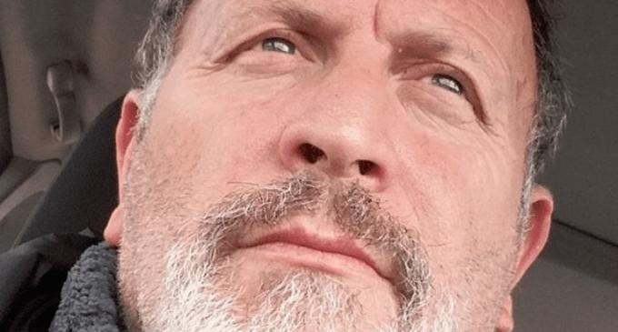 """El escritor villenense Pedro Villar Sánchez presenta su nuevo libro """"Los espejos del agua"""""""