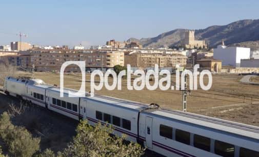 Las obras de supresión de paso a nivel y reurbanización en la calle Rosalía de Castro de Villena ascienden a 4 millones de €