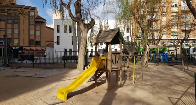 El Ayuntamiento invertirá 87.000 euros en adecuar el parque infantil de la Plaza del Rollo