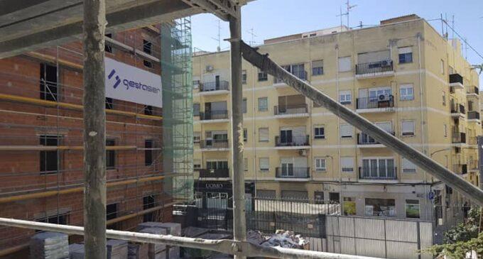 Denuncian hasta un año de espera para la concesión de una licencia de obras en Villena
