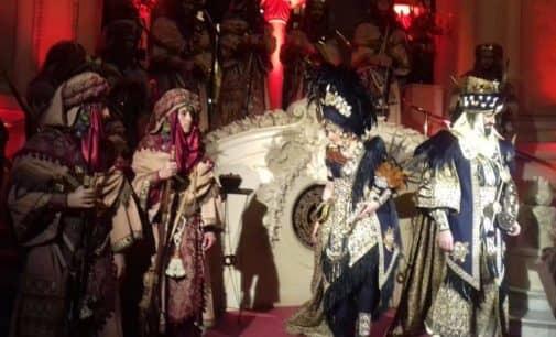 El Carnaval del Casino de Madrid lució trajes de los Abassies de Villena