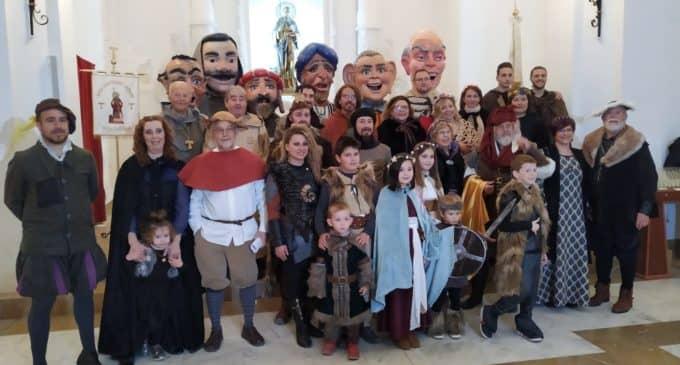 La familia Marco pregona las Fiestas del Medievo en Villena