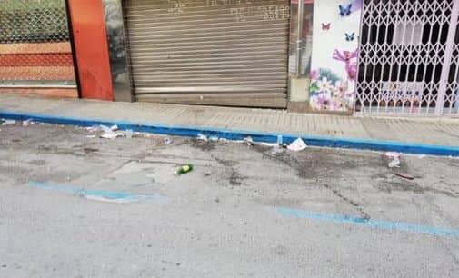 Vecinos de la calle Juan Chaumel se quejan de la falta de limpieza de la vía