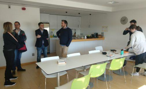 Fulgencio Cerdán visita Petrer para conocer sus iniciativas de emprendimiento