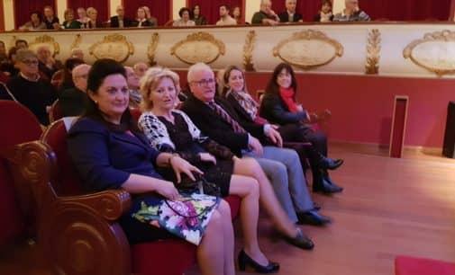 Villena reconoce a Loli Fenor como Hija Adoptiva