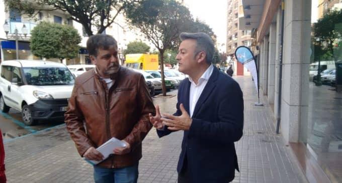 El PSOE considera prioritario reurbanizar la calle Corredera y aumentar el aparcamiento para potenciar el comercio