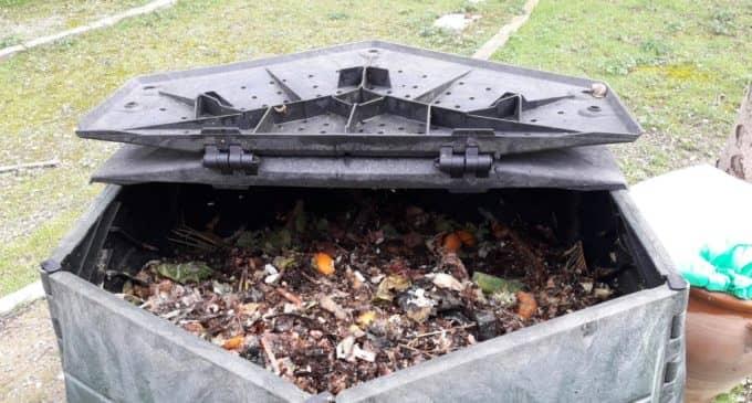 Villena busca familias que quieran elaborar compost en casa