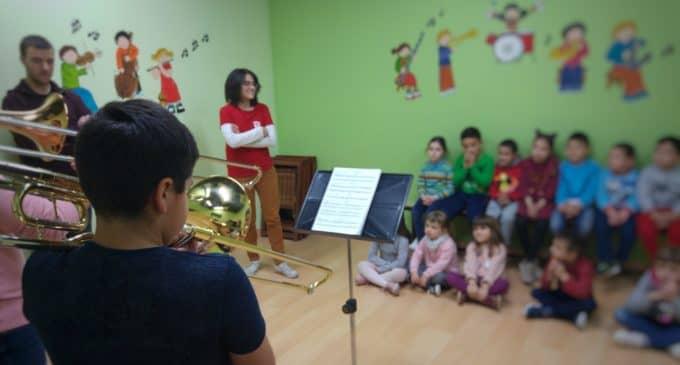 La Sociedad Musical hace su segunda muestra de instrumentos