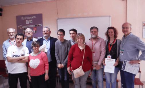 Los candidatos a la alcaldía de Villena en la residencia APADIS